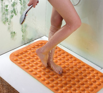 Rubber mat for shower