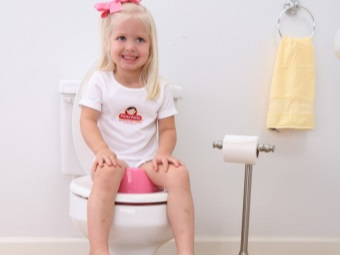 Anatomically shaped seat on the toilet for a child