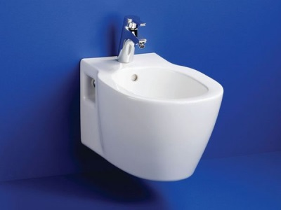Suspended bidet brand Ideal standard