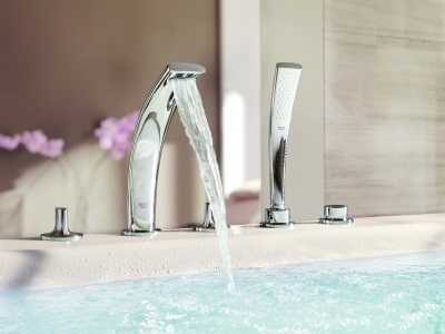 bath with integrated mixers
