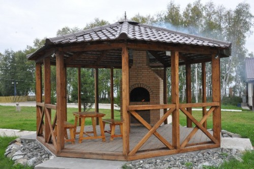photo arbor with barbecue