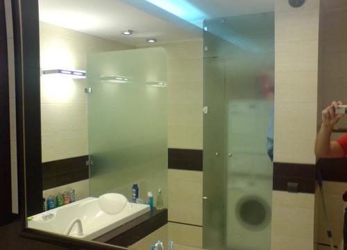 Divisori in vetro per il bagno su istruzione di produzione build daily - Vetro per bagno ...