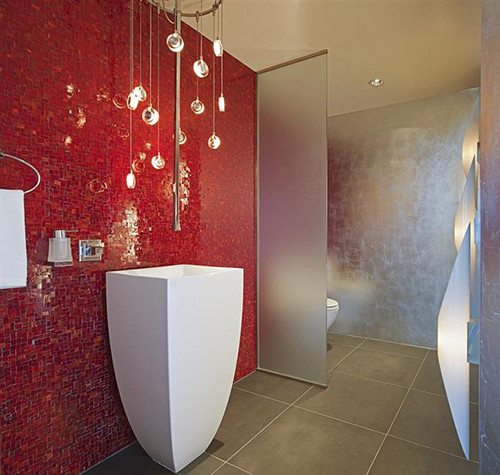 Brilliant-of-silver-and-red-in-the-modern-bathroom-custom
