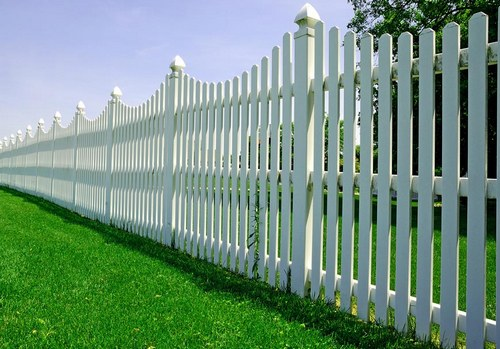 The height of the plastic fence