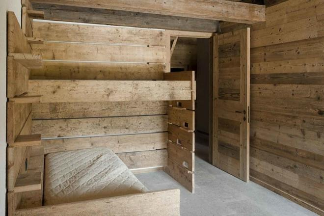 Building a house in Alpine style