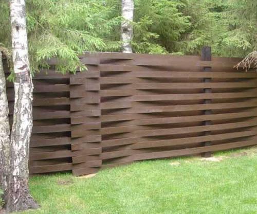 Плетёный забор для клумбы своими руками