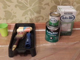 Tools for painting bathtubs