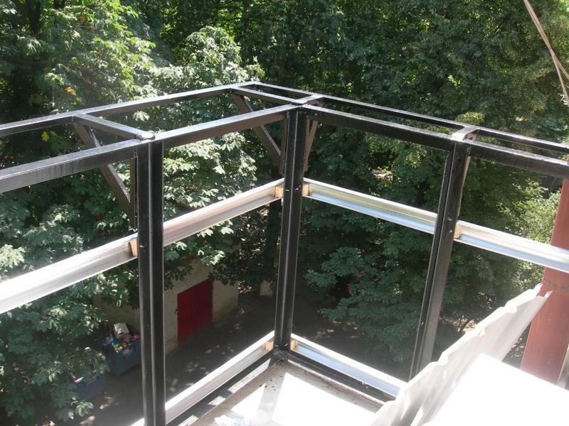 Обшивка балкона снаружи: обзор материалов, инструкция отделк.