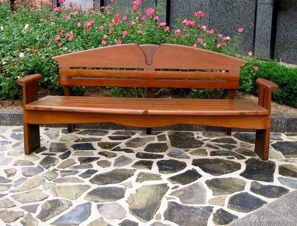 Красивая скамейка из дерева своими руками 546