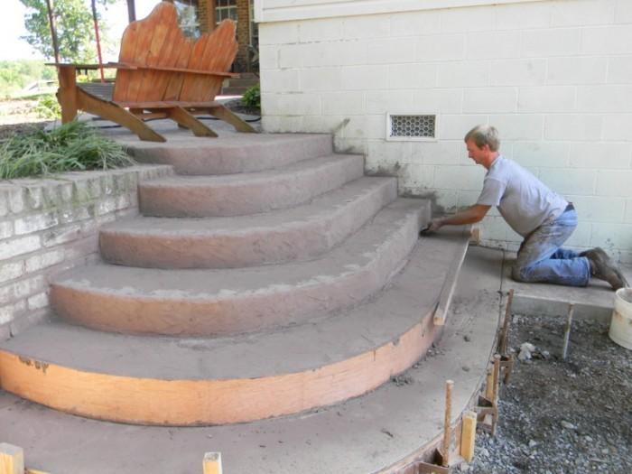 Крыльцо круглое из бетона 48