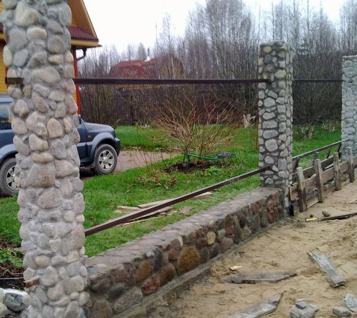 Заборы своими руками из камня фото в 813