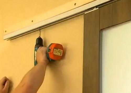 Установка навесной двери своими руками 41