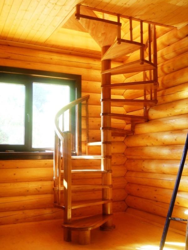 Винтовая лестница на даче своими руками фото