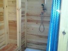 Душевая кабина своими руками в деревянном доме из пвх 79
