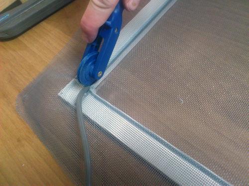 Как сделать москитную сетку для пластиковых окон 87