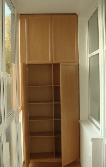 Wardrobe to the loggia - build daily.