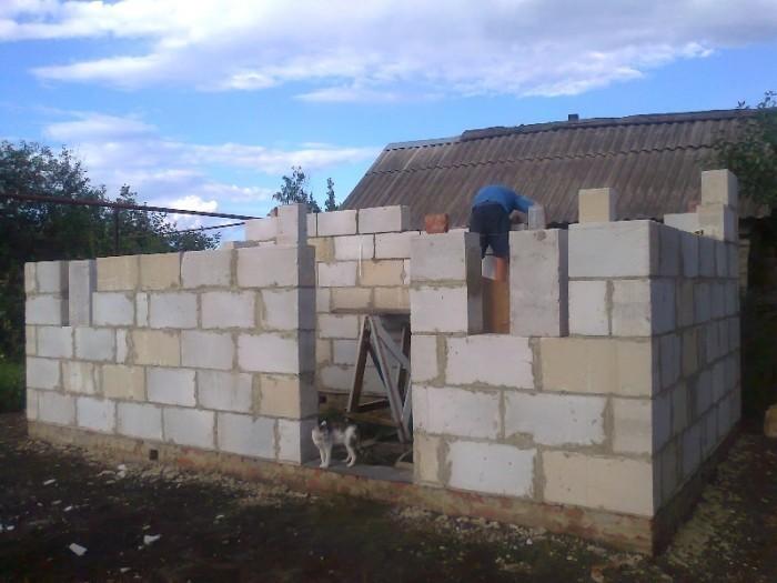 Строительство комнаты из пеноблоков своими руками 73