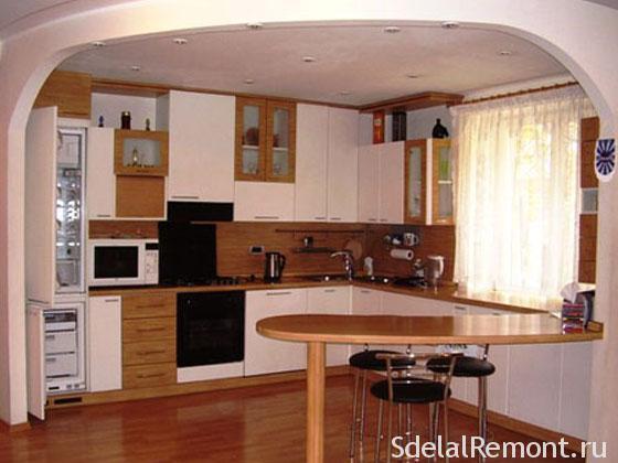 Кухня гостиная с барной стойкой в доме